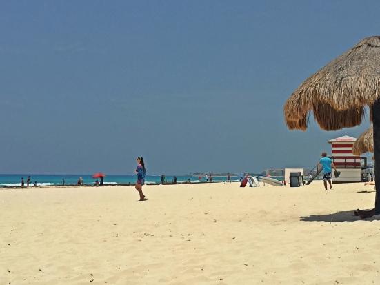 Playa Delfines, Cancún. www.vivirencancun.mx