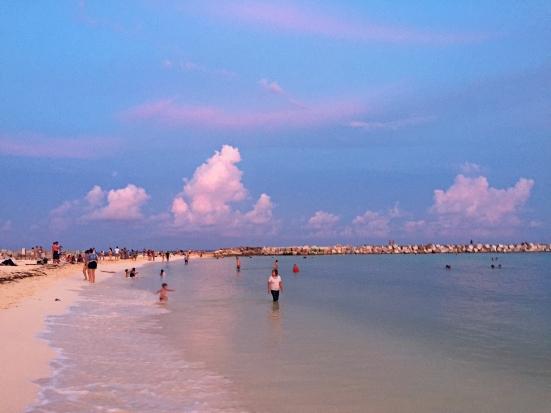 Atardecer en Playa Forum, Cancún.