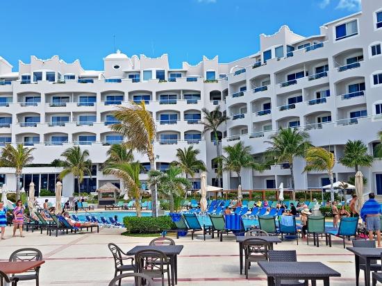 Day-pass en Cancún. www.vivirencancun.mx